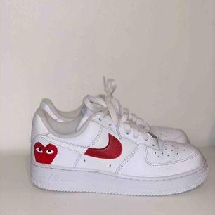 Jag säljer handmålade sneakers, i synnerhet nike air force 1. Kolla in min profil på Instagram chm_sneakers för mer skor och för order!  Målar även på beställning om någon design önskas.