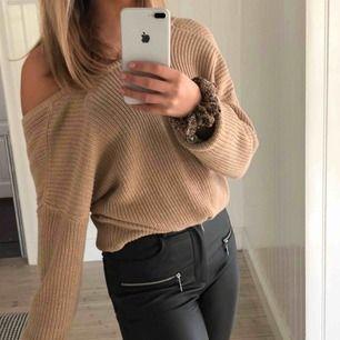 SÅÅÅ fin stickad tröja från NA-KD i storlek S 🐻✌🏽 Använd en gång, som ny!!