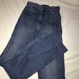Snygga flare jeans! Sitter snyggt på! Superfint skick