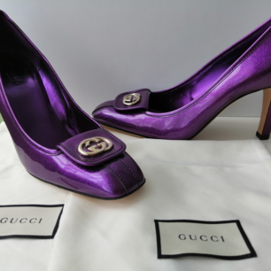 Gucci pumps, excellent condition, dustbag, authentic, size 39, insole 26cm, high heels 9cm, purple, write me for more info and pics🙂
