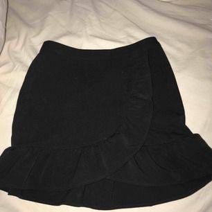 IVYREVEL kjol! Använd 1 gång.