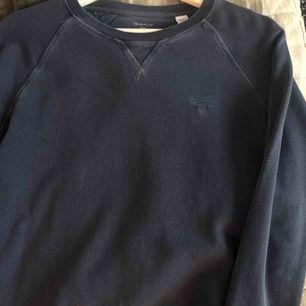 Oanvänd Gant tröja.