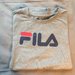 Fila t-shirt! Använd ett fåtal gånger!