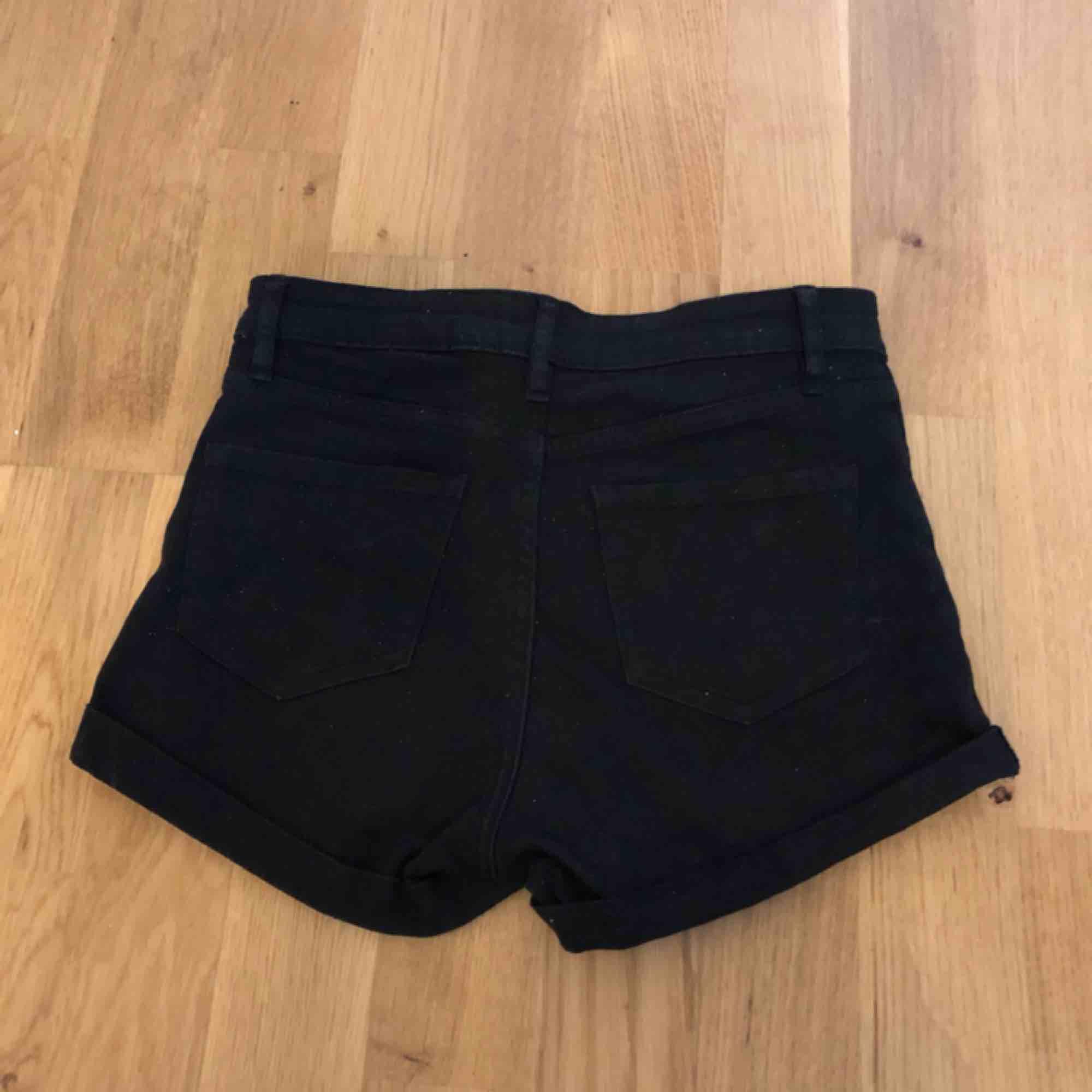Shorts använt ett få tal gånger  . Shorts.