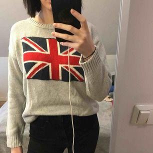 Stickad tröja aldrig använd då det inte är min stil