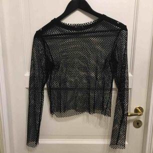 Jättefin tröja från bershka, använd typ tre gånger så är i väldigt bra skick. Bjuder på frakten