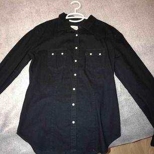 Old school Levis skjorta  Använt 1 gång  Bra skick