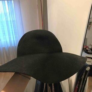 Fin hatt i bra skick  Har använt ett par gånger