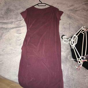 Lång tajt klänning i bra skick