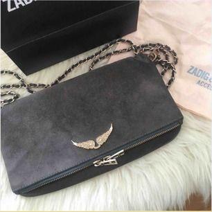 Säljer min Zadig väska köpt för ett år sedan fin färg och bra skick man får med kvitto!❤️