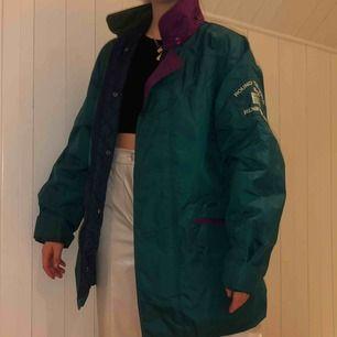 Ballaste vintage jackan från Henry Lloyd st M 300kr