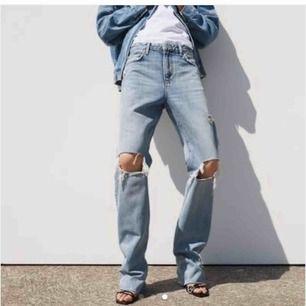 trendiga jeans från zara, använd 1 gång. Köparen står för frakt. Bud från 200kr😌