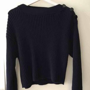 Ribbad tröja från carin wester i utmärkt skick. Passar perfekt till vintern. Kan mötas upp i stockholm eller frakta.