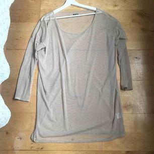 Nude mesh tunika storlek är S men är mest oversize , hämta i Majorna eller jag skicka