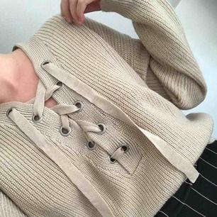 Stickad tröja, i beige xs/s 99kr? Dm för förhandling