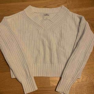Stickad tröja från Hollister. Frakt 10kr