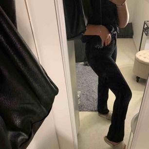 Ett par jeans från hm i storlek XS men passar mer S 200kr +frakt