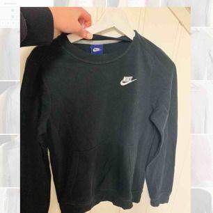 Nike sweatshirt. Storlek xs.