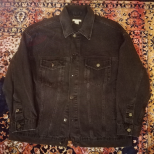 Cool jeans jacket from H&M. Very good price & condition !!!