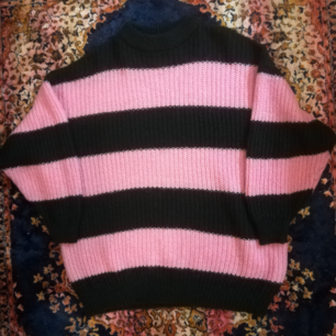 Sweater from Monki size XS (feels more like S/M). Great condition&great price.