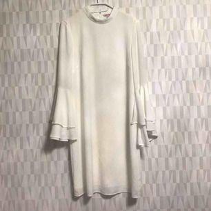 Snygg klänning från Indiska S  Finns i Hornstull 💕💕