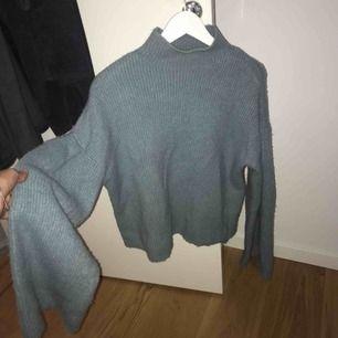 Supermjuk stickad tröja från Carin Wester. Använd ett fåtal gånger.