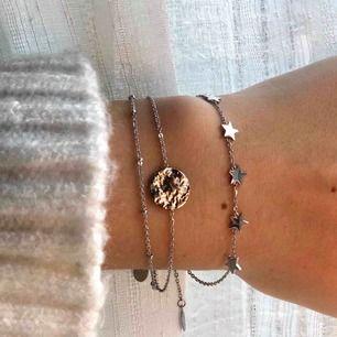 Finaste armbanden ✨ stjärnarmbandet finns i guld & silver medans det andra bara finns i silver! Stjärnan kostar 139 medans den med stenen kostar 129 🌟 fraktar mot fraktkostnad 🤩