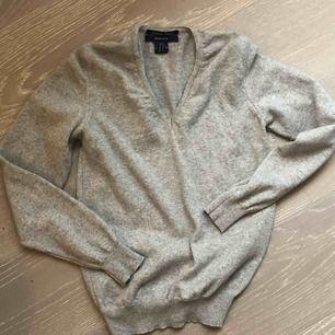 Fin gant stickad tröja i 100%ull cashemere