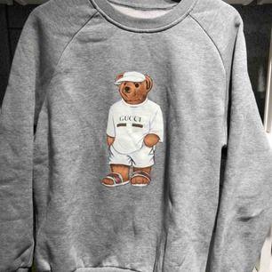 Sweatshirt / tröja från Gucci. Storlek Medium.