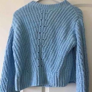 Säljer denna as sköna tröja pga ingen användning, den är helt oanvänd. Kan mötas upp i stockholm eller frakta.