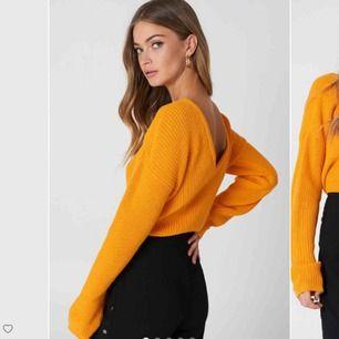 Säljer denna as fina stickade tröja från nakd, säljer pga ingen användning längre. Kan mötas upp i stockholm eller frakta.
