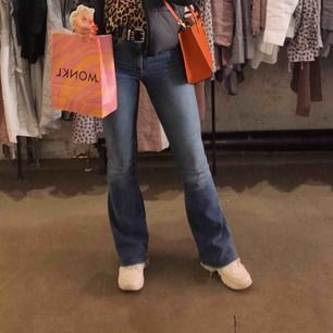 Bootcut jeans ! 32 i längd!
