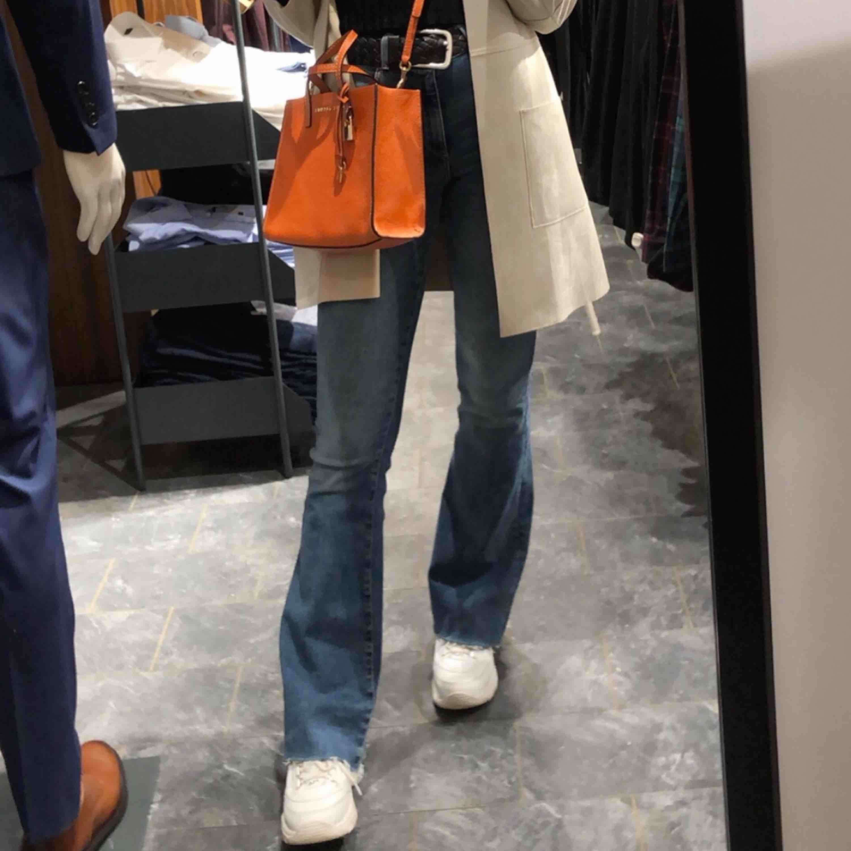 Bootcut jeans ! 32 i längd!. Jeans & Byxor.