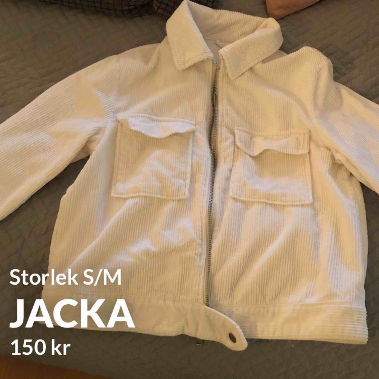 Använd endast 1 gång  150kr + frakt. Jackor.