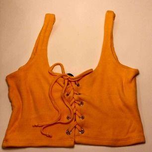 Crop top från Bik bok i fin orange färg 🍊 Frakt 9kr