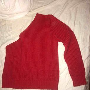Oanvänd one shoulder tröja från NaKd 💕💕💕