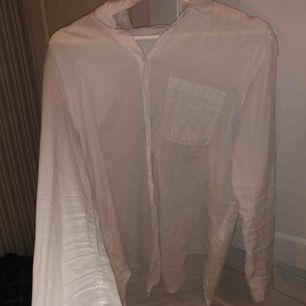 Vit basic linne skjorta