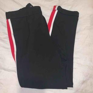 ett par kostymbyxor från zara! säljer då de är förstora :)