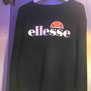 Sweatshirt från ellesse  Snygg men inte min stil