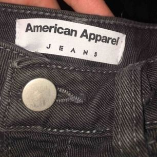 American Apparel jeans stl S. Betalning sker via swish och köpare står för ev. Frakt!