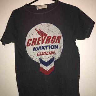 Cool t-shirt stl M.  Betalning sker via swish och köpare står för ev frakt!
