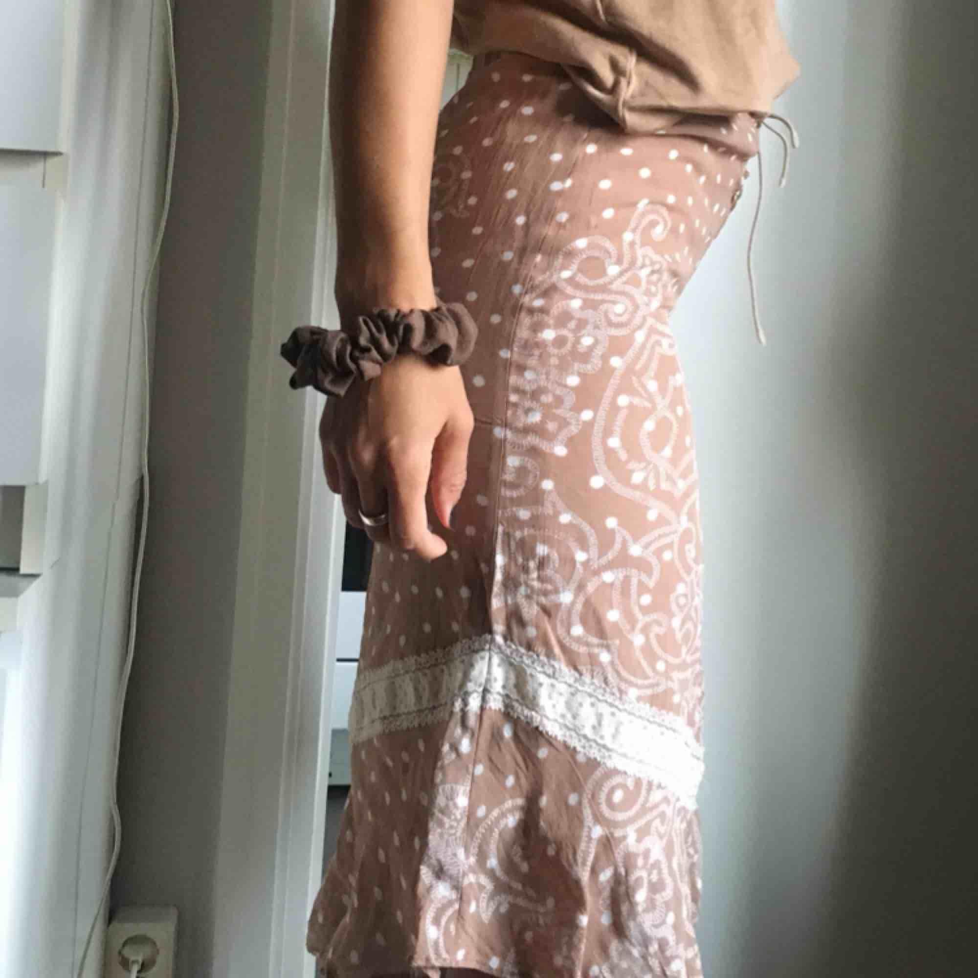 Trendig kjol ifrån retro H&M . Kjolar.