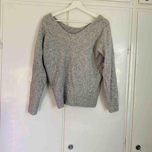 Grå singoalla tröja från H&M, knappt använd, strl S