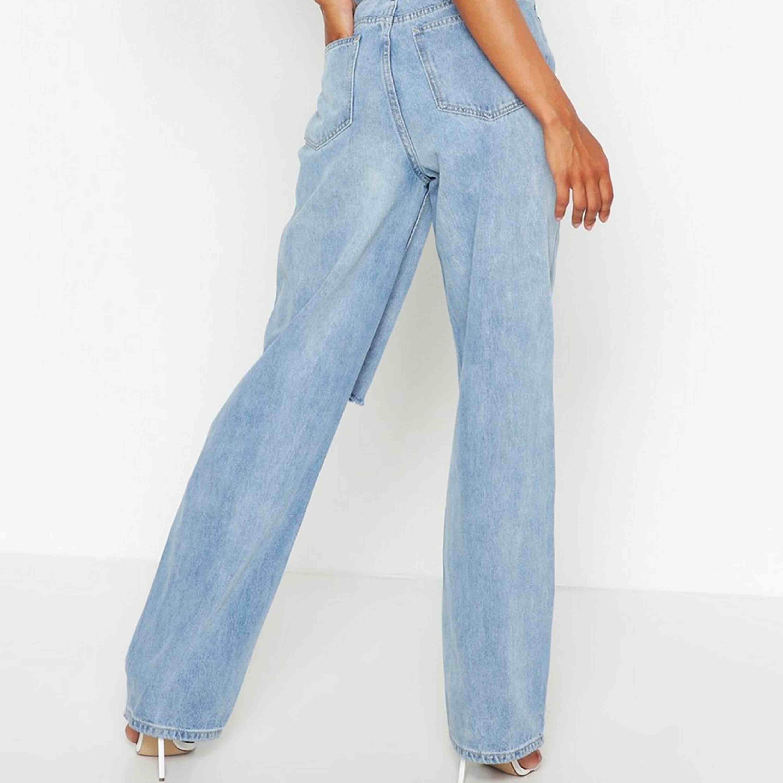 Helt oanvända jeans ifrån Boohoo, stl 40 passar 38, . Jeans & Byxor.