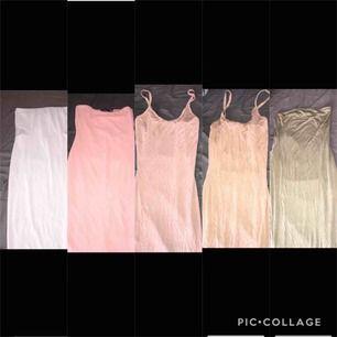Säljer 5 fina klänningar i olika färger. Alla storlekar är M och i fint skick för de är aldrig använda. 70kr st eller 320kr för alla :)