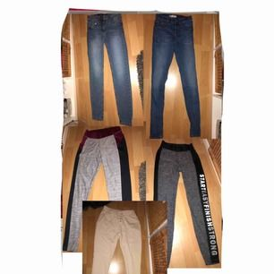 Ett paket med 2 träningsbyxor, ett par mjukis, 2 jeans. Har man frågor så skriv