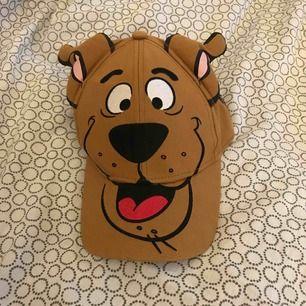 En Scooby-doo monstertruck keps. Den här öron som står ut. Köpte mest för minne. Nyskick. Köparen står för frakten