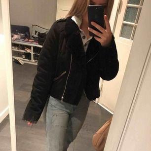 Varm vinterjacka köpt förra året på Zara.