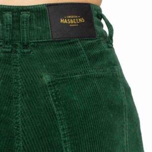gröna manchesterbyxor från swedish hasbeens! nypris ca 1200, prima skick. bilder tagna från hemsidan