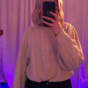 Nakd x TinaMaria stickad tröja, använd nån gång. Köparen står för frakt!